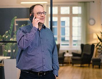 Beratung gefällig? Andreas Müller ist unser allzeitbereiter Versicherungsexperte.