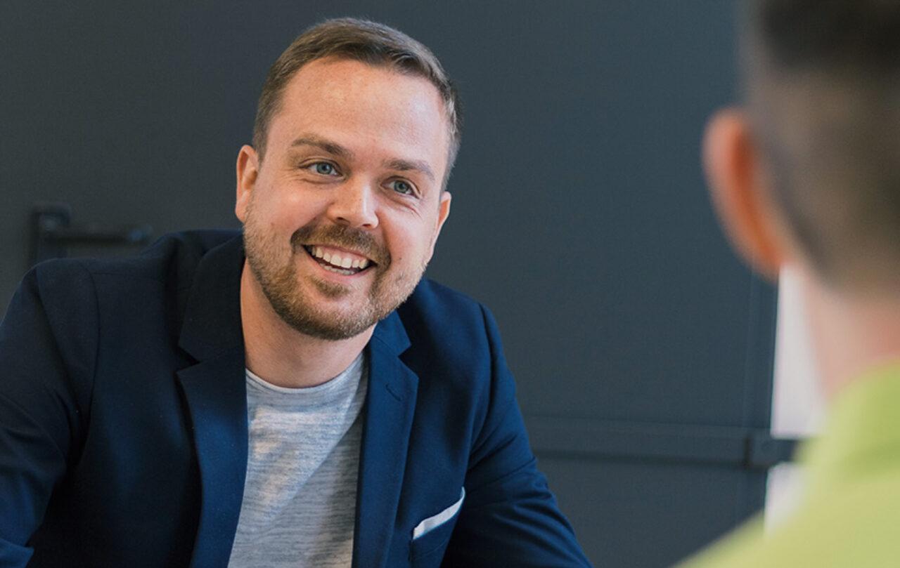 Auf ein Gespräch! Unser Berater Dirk Walther freut sich auf Sie und Ihre Versicherungsfragen.