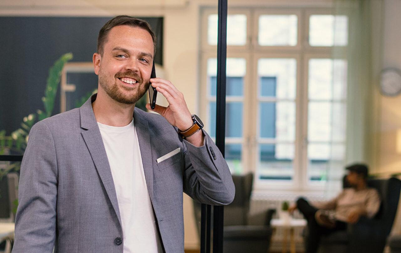 Allzeit bereit, Versicherungsexperte Dirk Walther