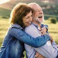 Im Alter einfach nur noch genießen und sich ums finanzielle keine Sorgen machen. Traum? Wirklichkeit mit einer Rentenversicherung